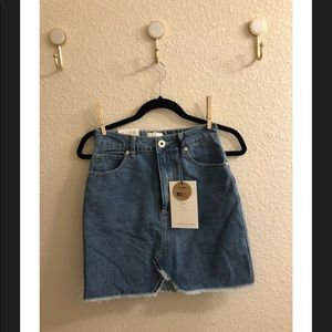 Super cute skirt / new with tags !